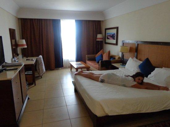 Grand Rotana Resort & Spa: BEDROOM