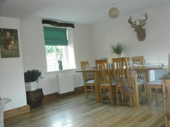Ribblesdale Park: Deer Park Cottage - Dining Area