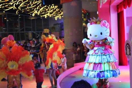 Sanrio Hello Kitty Town : Hello Kitty Show