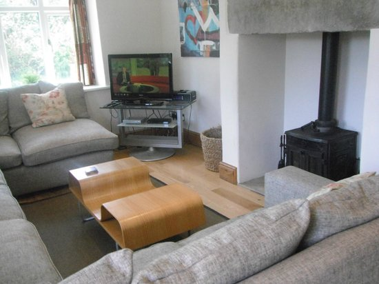 Ribblesdale Park: Front room