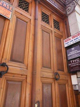 THC Bergantin Hostel: front door