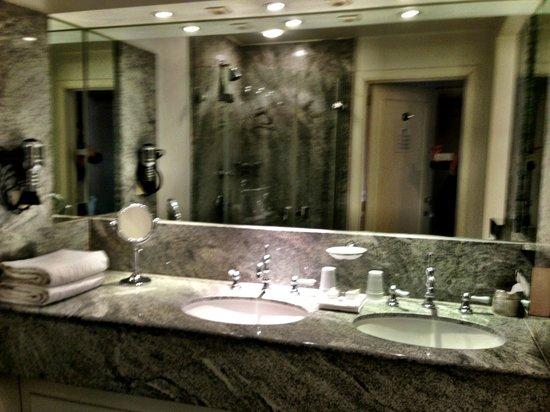 Pand Hotel Small Luxury Hotel: Amazing Bathroom   Ralph Lauren Suite