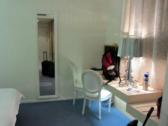 Hotel Garni Muralto: Room