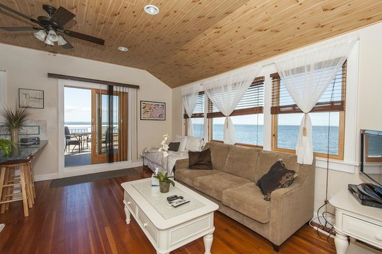 The Palms Hotel Fire Island: Sutton Place Suite View