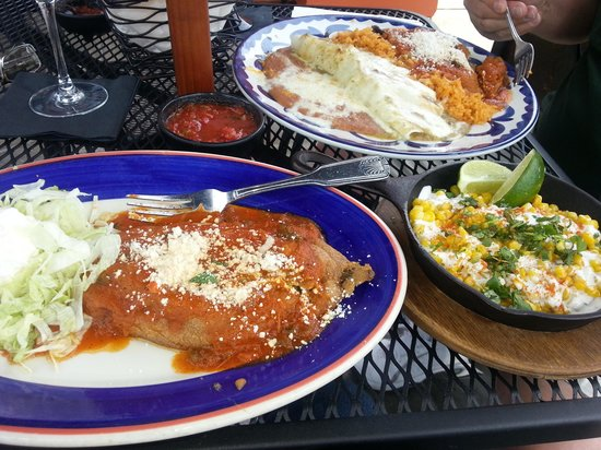 Moctezuma's Mexican Restaurant: fabulous food!