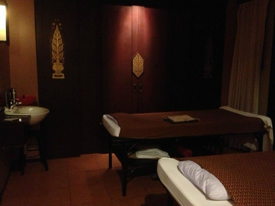 Suuko Cultural Spa: Overview of the room