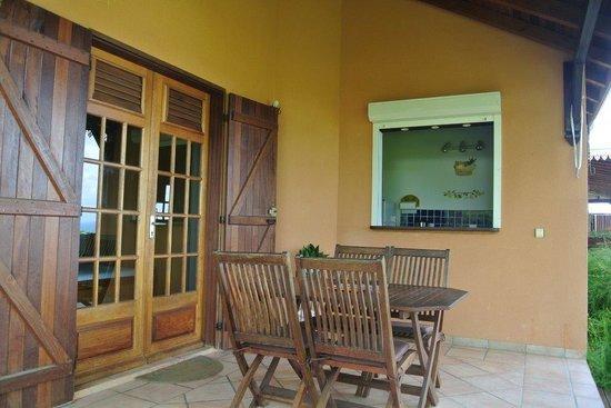 Villa les Bougainvilliers: Terrasse du studio