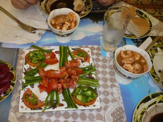 Casa Amanecer: Buen servicio de comidas(se puede elegir).