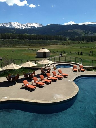Devil's Thumb Ranch Resort & Spa: Pool and valley view from the Broad Axe Barn deck