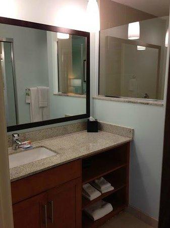 Hyatt House Salt Lake City/Sandy: Glass shower, no tub