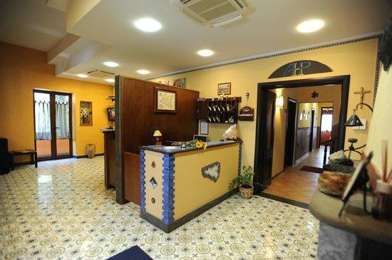 Hotel Alle Pendici Dell'Etna: RECEPTION
