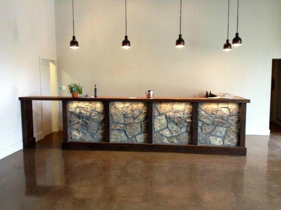 Palatine Hills Estate Winery: Newly Renovated Tasting Bar