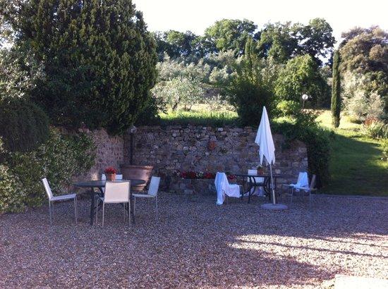 Frantoio delle Grazie: communal seating area