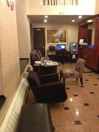 Econo Lodge Times Square: Econo Lodge Lobby