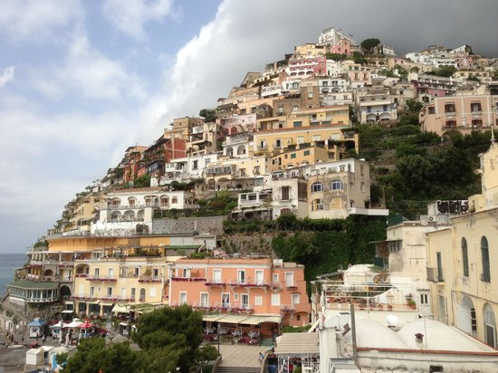 Hotel Buca di Bacco: Positano from our room