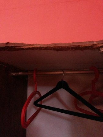 Paradise Village Beach Resort: Wardrobe with termites. Completely unusable!