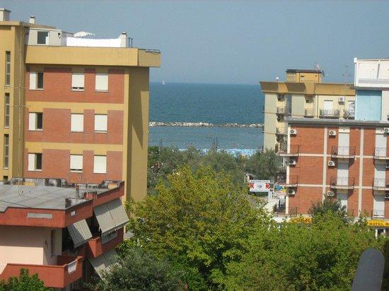 Hotel Costaverde: Vista dalla camera (ben percepibile la vicinanza al mare)