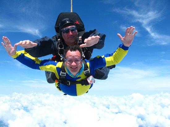Skydive City: Look Mom, No Hands!!!