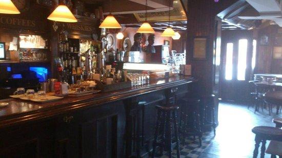 Sherlock Holmes Tavern