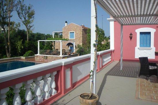 ميتوهي جيورجيلا: Our patio