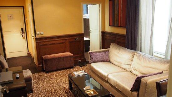 Hotel Esprit Saint Germain: living room
