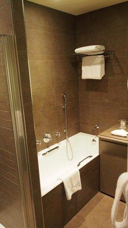 Hotel Esprit Saint Germain : bathroom
