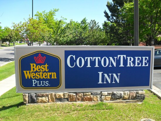 Best Western Plus Cottontree Inn : The sign.