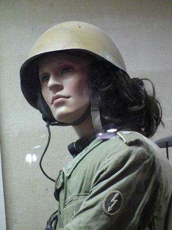 El Alamein War Museum: Nelle comunicazioni c'era donne?