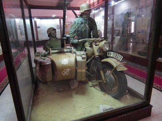 El Alamein War Museum: BMW (sul serbatoio c'è scritto Erika!!)