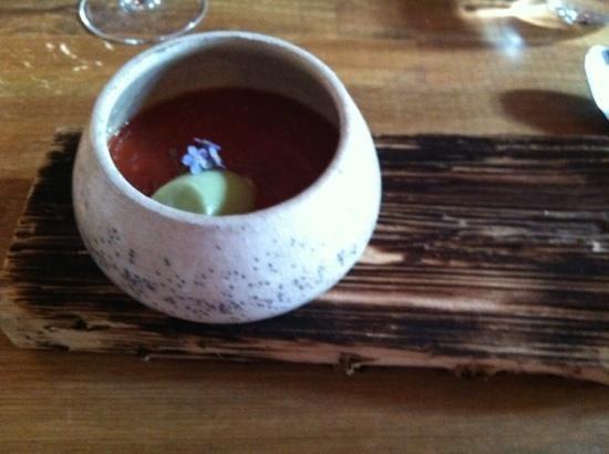 Kolonihagen Frogner: tomato soup with basil sorbet