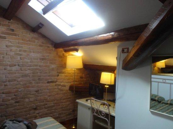 Villa Casanova: habitacion 12, buhardilla