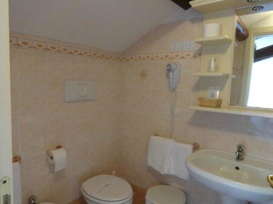 Villa Casanova: baño de la habitacion 12