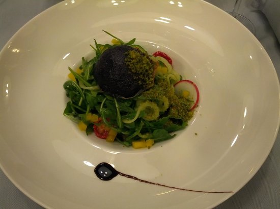 Baracca : goat cheese salad - strange look for my taste