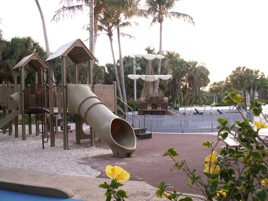 Disney's Vero Beach Resort: Kids play area, adjacent to the pool.