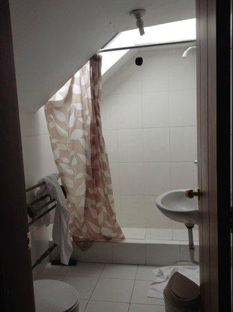 Posada Del Maple: Bathroom