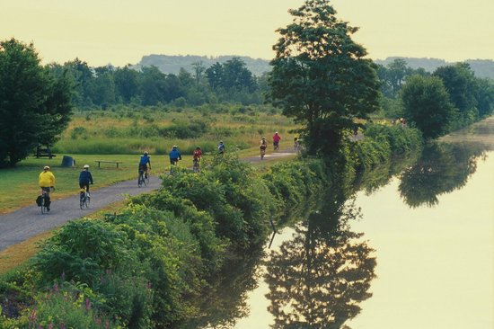 Erie Canalway Trail New York Book In Destination 2019