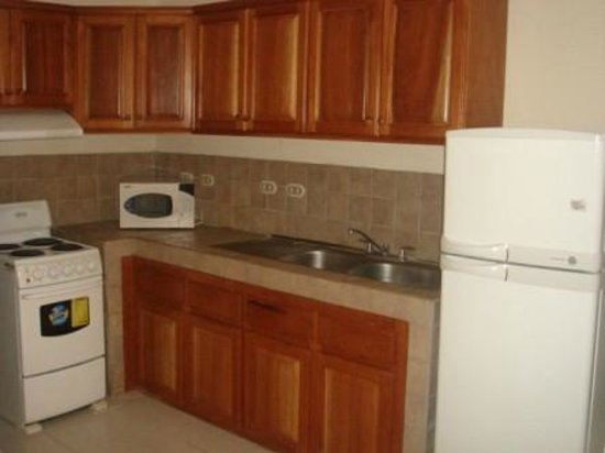 Hotel Villa Ferlito: Handmade Kitchen Cabinets
