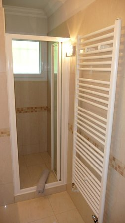 Villa Stephanie : shower