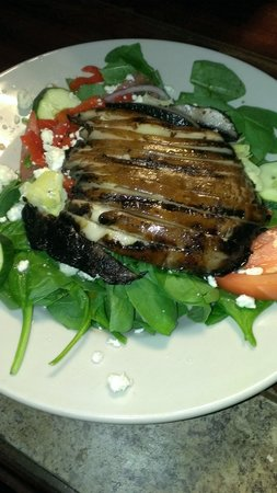 Olde Post Grill: Grilled portobello salad
