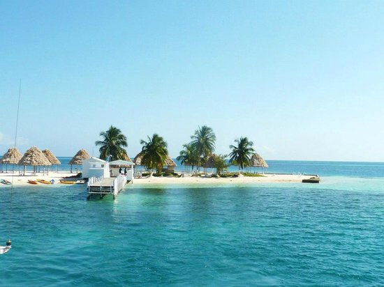 Nearing Rendezvous Caye Picture Of Carnival Tours Belize