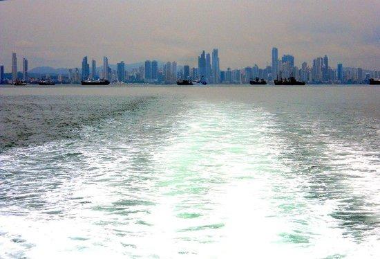 Urban Adventures Panama: Panama City Skyline on from the bay