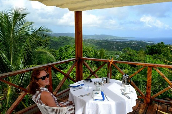 Hotel Mocking Bird Hill: Having breakfast - check out that view!