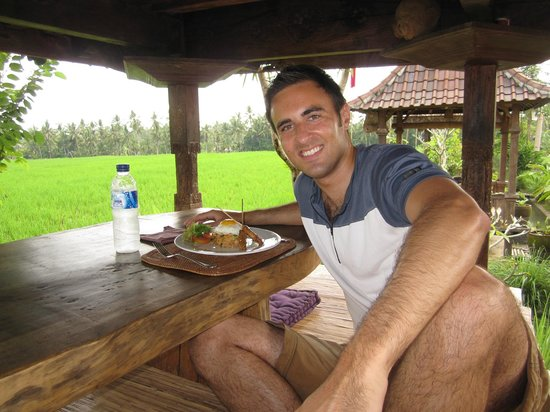 Bali Rocky Mountain Cycling Tour: Organic restaurant for Lunch among the rice paddies