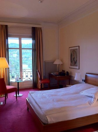 "BELLEVUE PALACE Bern: La chambre ""de luxe"""