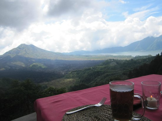Bali Rocky Mountain Cycling Tour: Breakfast after visiting OKA farms.