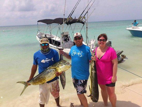 Way to go guys foto di go fish fishing charters for Playa del carmen fishing charters