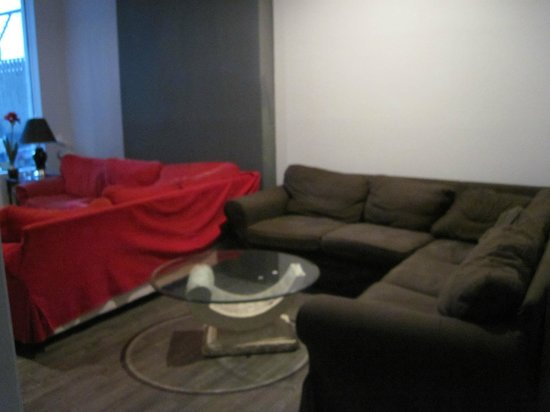 The Clarence Park: An additional lounge area in the hostel
