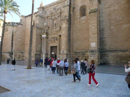 Catedral de Almería: Entrada principal a la Catedral