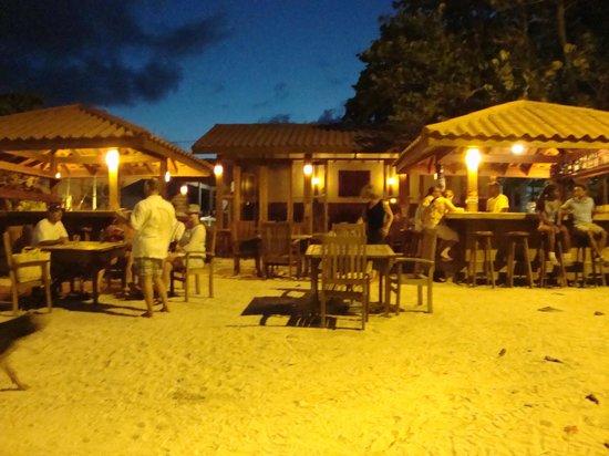 The Blind Dog Beach Grill : Beach Joy!