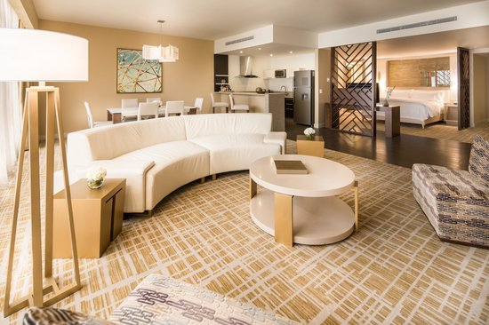 Waldorf Astoria Panama: 1 King 1 Bedroom Suite Ocean View.